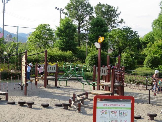 長良公園のバランス遊具②