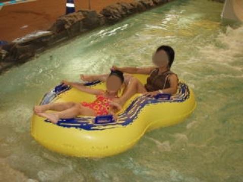 浮き輪スライダー
