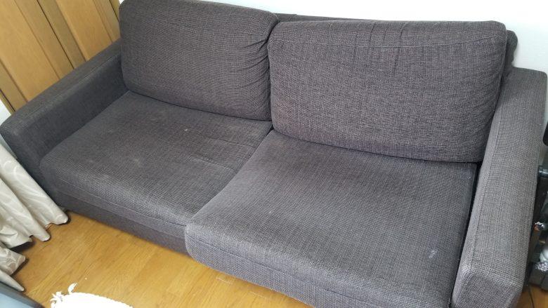 古いソファ